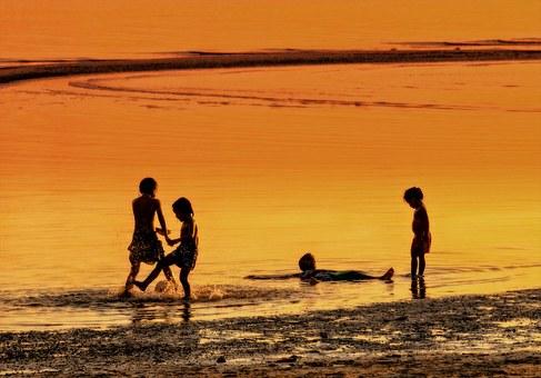 bambini in laguna